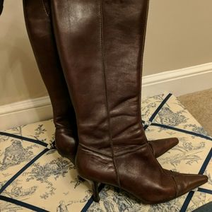 Brown leather zip up knee high boots - sz 8